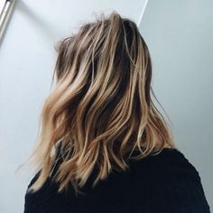 Messy lob with beautiful highlights.