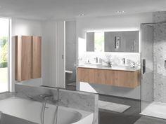Architecturale inspiratie: Inspiratie is overal! Dat bewijst de massief houten FORMA meubelreeks, geïnspireerd door de verticale architecturale structuur aan de buitenzijde van moderne houten gevels. Omdat je inrichting je persoonlijkheid weerspiegelt! #Balmani #badkamermeubel #forma #natuureik #x2o Bathroom Lighting, Facade, Architecture, Bathtub, Mirror, Modern, Furniture, Home Decor, Bathroom Sinks