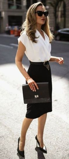 40 Trendy Work Attire & Office Outfits For Business Women Classy Workwear for Professional Look - #Attire #Business #Classy #office #Outfits #Professional #Trendy #Women #Work #workwear Office Outfits Women, Summer Work Outfits, Mode Outfits, Chic Outfits, Classic Outfits For Women, Woman Outfits, Ladies Office Wear, Work Attire For Women, Women's Work Attire