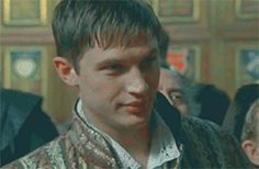 GIF: Tommy as Robert Dudley - The Virgin Queen (TV Mini-Series 2005) / TH0003