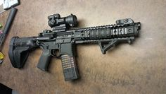 7 Reasons Why Owning An Pistol Is Totally Worth It - Reason Pistols Accept The Same Magazines and Parts as the Rifle Ar Pistol Build, Ar15 Pistol, Ar Build, Military Weapons, Weapons Guns, Guns And Ammo, Rifles, Armas Wallpaper, Ar Rifle