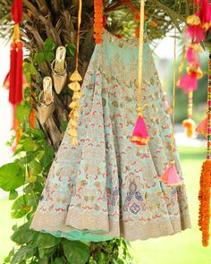 Looking for Bridal Lehenga for your wedding ? Dulhaniyaa curated the list of Best Bridal Wear Store with variety of Bridal Lehenga with their prices Green Lehenga, Bridal Lehenga, Wedding Attire, Wedding Vendors, Shades Of Green, Brides, India, Floral, Skirts