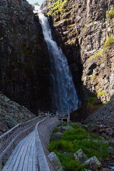 Njupeskär Waterfall in Fulufjället National Park, Sweden (by franfoto-1942).