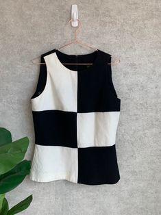 Vintage Mod Black and White Color Block Checker Print Tank Black And White Shirt, Black And White Colour, Korean Girl Fashion, Checker Print, Patchwork Dress, Fashion Design Sketches, Chiffon Shirt, Vintage Tops, Casual Tops