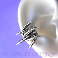 Double talon, Dragon claw, Sterling silver earring, earcuff for men... ($45) ❤ liked on Polyvore featuring jewelry, earrings, sterling silver ear cuff, ear cuff jewelry, sterling silver earrings, sterling silver jewelry and talon earrings