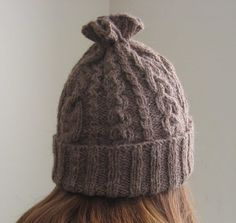 ChemKnits: 14 Cable Hat Knitting Pattern