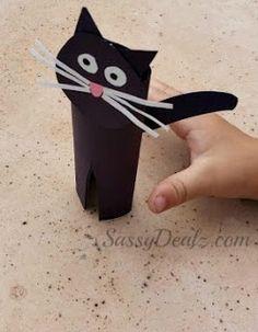DIY: Easy Black Cat Toilet Paper Roll Craft For Kids | http://www.sassydealz.com/2013/09/diy-easy-black-cat-toilet-paper-roll.html
