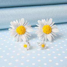 Large Or Small Daisy Stud Earrings by Good Intentions, the perfect gift for Explore more unique gifts in our curated marketplace. Daisy Wallpaper, Flower Phone Wallpaper, Daisy Ring, Daisy Chain, Cat Jewelry, Jewellery Box, Daisy Jewellery, Fashion Jewellery, Stone Jewelry