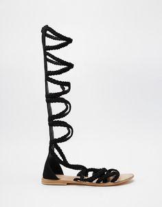Image 2 - ASOS - FOLEY - Sandales tressées et ajourées en daim montant jusqu'au genou