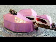 Cheesecake con Corazón de Zarzamora, Bizcocho de Chocolate y Glaseado de Chocolate Blanco 💜 - YouTube Cloud Cake, Gift Baskets, Sweet Dreams, Baked Goods, Panna Cotta, Cake Recipes, Cake Decorating, Valentines Day, Happy Birthday