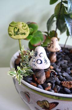 Fairy garden toadstool: cast marble stone by garnetteh on Etsy