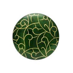 身につける漆 蒔絵のアクセサリー ブローチ 丸6 金箔海波 ひすい色 坂本これくしょんの艶やかで美しくとても軽い「和木に漆塗りのアクセサリー」より、少し大きめでラウンド型のシンプルで使いやすい ウェアラブル 蒔絵 アクセサリー wearable MAKIE accessories Brooch round 6 gilt sea wave jade color 上品で奥行き感のある坂本これくしょんオリジナルのひすい色、蒔絵は波のような海波柄を金箔でびやかなラインで描きました。ボリュームのあるブローチはコートの襟元などにぴったりです。 #漆アクセサリー #漆のアクセサリー #漆ジュエリー #軽いアクセサリー #漆のブローチ #Brooch海波柄ブローチ #金箔蒔絵 #大きめブローチ #ラウンド型ブローチ #蒔絵ブローチ #海波蒔絵 #wearable #ウェアラブル漆 #漆塗り #軽さを実感 #坂本これくしょん