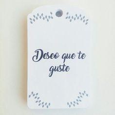 Elegante y sencilla etiqueta dwe Lucía Arsan.