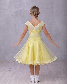 319 отметок «Нравится», 13 комментариев — Ателье Камелия (@kamelia_dress) в Instagram: «Нежное и воздушное для ваших принцесс! ✨✨В наличии 34 размер (рост 120-135)! Запись на…»