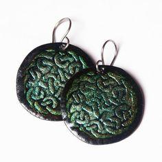Hana Bendová - earrings with celtic knots (enamel on copper, steel wire)
