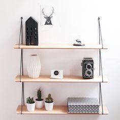 //Concours// Découvrez la boutique en ligne @lereperedesbelettes et tentez de remporter leur étagère rétro sur le blog! -> hello-hello.fr #lereperedesbelettes #etagere #shelf #shelfie #retro #deco #design