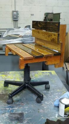 Pallet Desk Chair