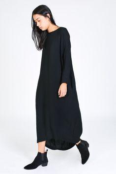 BLACK CRANE PLEATED COCOON DRESS IN BLACK