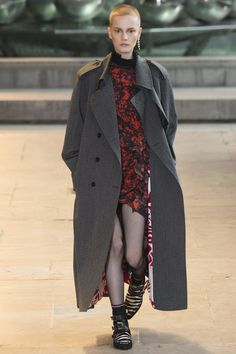 Black & Red Splatter print - Printed coat lining - Isabel Marant Fall 2016 Ready-to-Wear Fashion Show - Lina Hoss