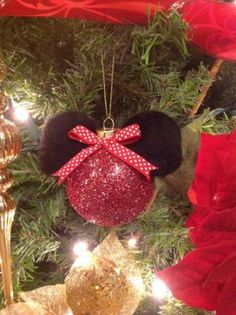 DIY Minnie Mouse Christmas tree ornament by EKD Disney Christmas Crafts, Mickey Mouse Christmas Ornament, Disney Christmas Decorations, Disney Ornaments, Disney Crafts, Diy Christmas Ornaments, Handmade Christmas, Christmas Holidays, Christmas Bulbs