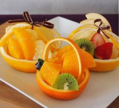 Dessert Recipes Easy For A Crowd - New ideas Appetizer Recipes, Dessert Recipes, Party Food Buffet, Food Art For Kids, Fruit And Vegetable Carving, Food Carving, Food Garnishes, Food Decoration, Food Platters