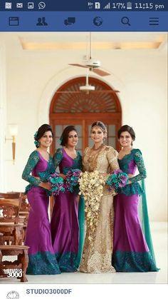 Bridal Lehenga, Saree Wedding, Wedding Bride, Wedding Bouquet, Wedding Ideas, Bridesmaid Saree, Brides And Bridesmaids, Bridesmaid Colours, Bridesmade Dresses
