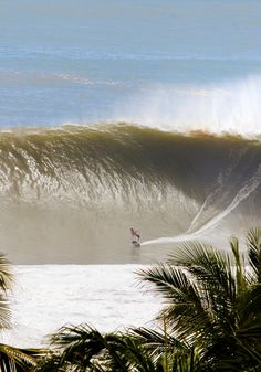 Brad Domke conquering Puerto Escondido on a fin-less skimboard. Photo | Lucano Hinkle More XXL Big Wave Awards