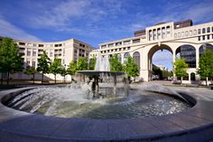 fountain-at-the-place-zeus-antigone-of-montpellier-france-1600x1066.jpg 1,600×1,066 pixels