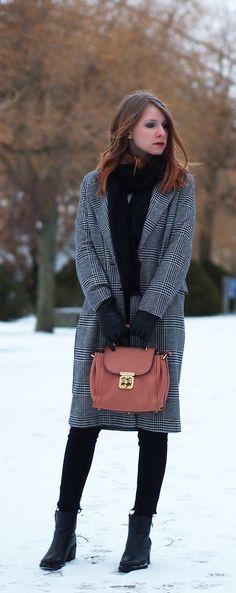 http://www.thefashionableblog.com/2017/01/outfit-karierter-wintermantel-und-chloe-elsie-satchel-bag.html #hm #karierter #mantel #wintermantel #chequered #coat #chloé #chloe #elsie #satchel #bag #tasche #chloegirls #chloetasche #winterlook #ootd #outfit #fashionblogger #streetstyle #vintage #vintagebag #kariert