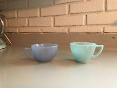 Vintage Blue Pyrex Delphite Pie Crust Kings by TheThriftyAnemone