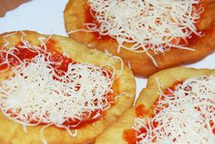 michalovske langose-fotopostup Slovak Recipes, Czech Recipes, Ethnic Recipes, Eastern European Recipes, Pizza, Pineapple, Toast, Food And Drink, Bread