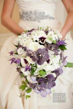wedding bouquet-purple white-orchids wedding dress-decorative stones jewelry - Home Page Purple Wedding Bouquets, Bride Bouquets, Wedding Flowers, Purple Orchid Bouquet, Orchid Wedding Dresses, Cute Wedding Dress, Bouquet En Cascade, Rosa Bouquet, Lily Bouquet