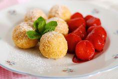 Tvarohové knedlíky s ovocem Fruit, Desserts, Recipes, Kitchen, Tailgate Desserts, Cuisine, Dessert, Rezepte, Kitchens