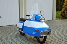 """Fotogalerie: Jawa 350 typ 354 """"Nanuk"""" Jawa 350, Motor Scooters, Classic Bikes, Cars And Motorcycles, Retro, Vehicles, Electric Scooter, Tech, Cars"""