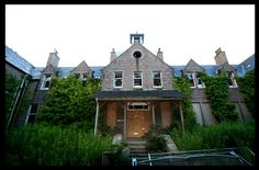 Kingseat hospital nz. New Zealand's only haunted theme park! With some of the buildings on the complex abandoned....