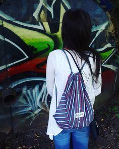 Graffiti...#graffiti #barvy #colours #stringbag #stringbatoh #batoh #batohzkosile #mensshirtbag #panskakosile #mensshirt #vak #kosilovak #starakosilenemusibytodpad #upcycle #upcyklace #upcycling #handmade #vlastnitvorba #original #creativity #kreativita #sustainability #sustainable #slowfashion #pomalamoda #recyklatorzostravy #redesign #junggirl #czechgirl #ostrava @werunka_a
