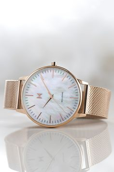 Buying The Right Type Of Mens Watches - Best Fashion Tips Trendy Watches, Big Watches, Sport Watches, Cool Watches, Watches For Men, Cool Style, Latest Trends, Fashion Tips, Fashion Watches