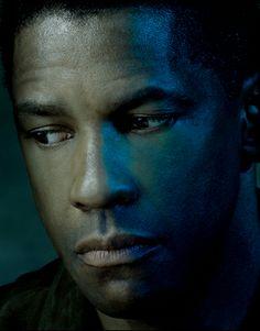 Denzel Washington por Albert Watson utilizando luzes difusas laterais.