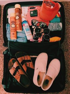 """A VSCO lady is someone whose lifestyle matches the aesthetic appeals of the VSCO app. Merriam-Webster specifies the """"VSCO lady"""" as . Well, actually,. Summer Aesthetic, Travel Aesthetic, Summer Bucket, Summer Travel, Vacation Travel, Summer Goals, Summer Fun, Summer Beach, Mellow Yellow"""