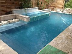 Rain waterfall into a glass tile spa with stepping stones - Crystal Pools and Spas Small Backyard Pools, Backyard Pool Designs, Small Pools, Swimming Pools Backyard, Swimming Pool Designs, Pool Landscaping, Backyard Patio, Outdoor Pool, Pergola Patio