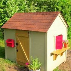 Style for a playhouse built from a pallet.