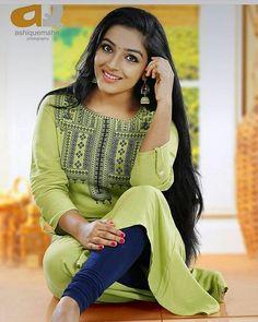 #rajishavijayan #AnuragaKarikkinVellam