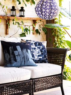 We've got 10 Money Saving Outdoor Room Tips that should help you make the most of your space and your budget! Ikea Outdoor, Outdoor Rooms, Outdoor Living, Garden Nook, Backyard, Patio, Ikea Hack, Saving Money, Love Seat