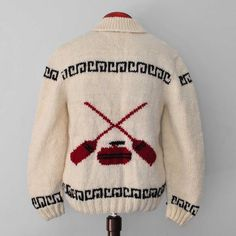 NEW: Mary Maxim Curling sweater, hand knit wool cardigan, brand new, not… Cowichan Sweater, Wool Cardigan, Vintage Sweaters, Wool Sweaters, Hand Knitting, Knitting Patterns, Sweater Making, Cardigan Fashion, Sweater Design