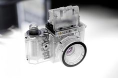アナログ一眼レフカメラの 中身が見える教材用透明カメラKonstruktor Transparentが新発売! http://www.lomography.jp/magazine/shopnews/9193-konstruktor-transparent Konstruktor Transparent Collector's Edition – ロモグラフィーオンラインショップ http://shop.lomography.com/jp/konstruktor-transparent/
