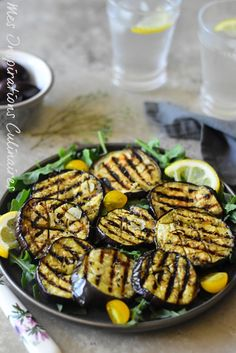 Oven or BBQ grilled eggplant marinated in olive oil, garlic and thyme vegetarisch lifestyle recipes grillen rezepte rezepte schnell Side Recipes, Vegetable Recipes, Meat Recipes, Healthy Recipes, Fusilli, Bbq Appetizers, Grilled Eggplant, Vegetable Side Dishes, Grilling Recipes