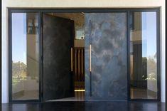 Modern Entrance Door, Modern Front Door, Front Door Entrance, House Entrance, Main Entrance, House Main Door Design, Front Door Design, Contemporary Front Doors, Pivot Doors