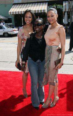 Tia & Tamera & their mom