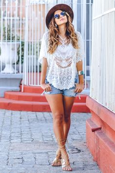 Renda e jeans pra primavera! look's fashion, pinter Casual Outfits, Summer Outfits, Cute Outfits, Short Outfits, Jean Outfits, Looks Style, Casual Looks, Women's Fashion Dresses, Boho Fashion