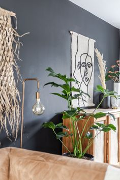 Credits foto @chielanl Planter Pots, Interior Design, Nest Design, Home Interior Design, Interior Designing, Home Decor, Interiors, Design Interiors